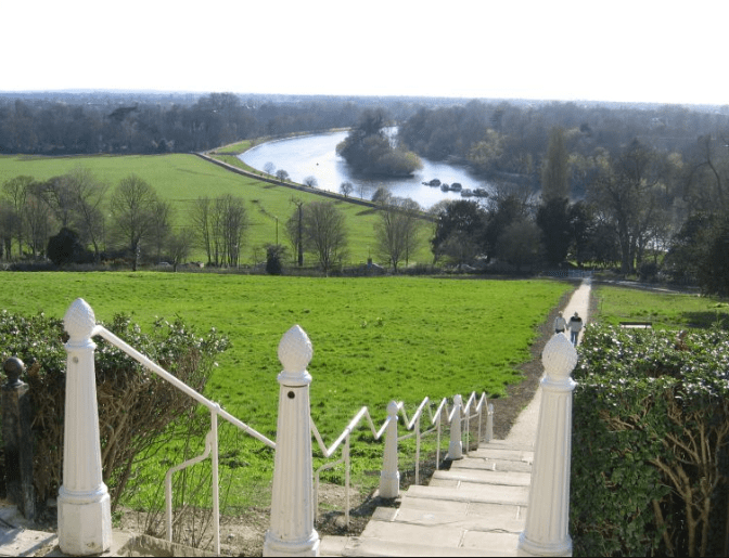 Richmond Hill Terrace field vue Tamise