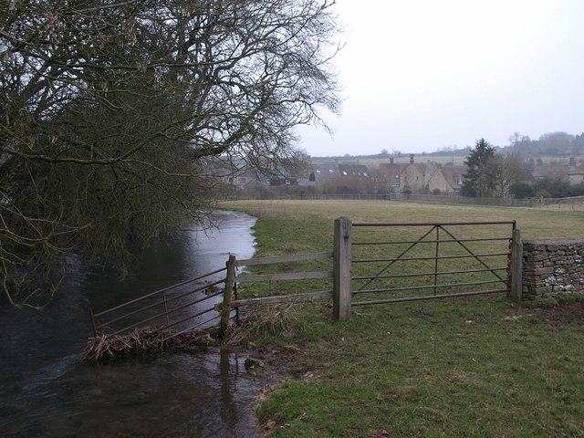 La rivière Churn, affluent de la Tamise.