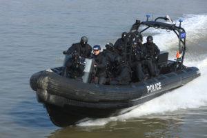 navire d intervention rapide de la police de la Tamise