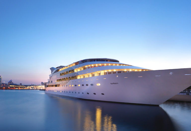 sunborn hotel yacht tamise