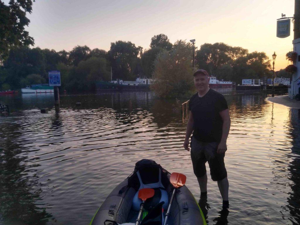 kayak sur la tamise RIchmond inondation